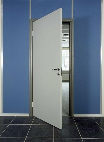 Белые офисные двери